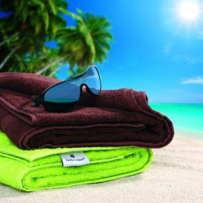 VS DEORIA 2 set of green terry towel and brown bath towel